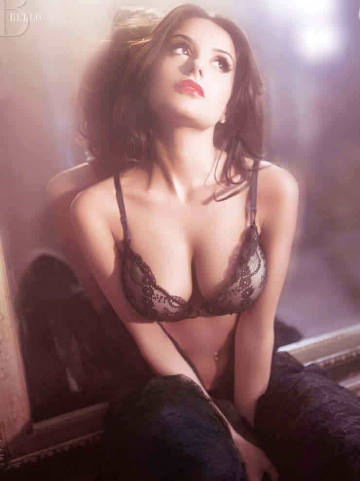 Mikaela Hoover hot tits pics