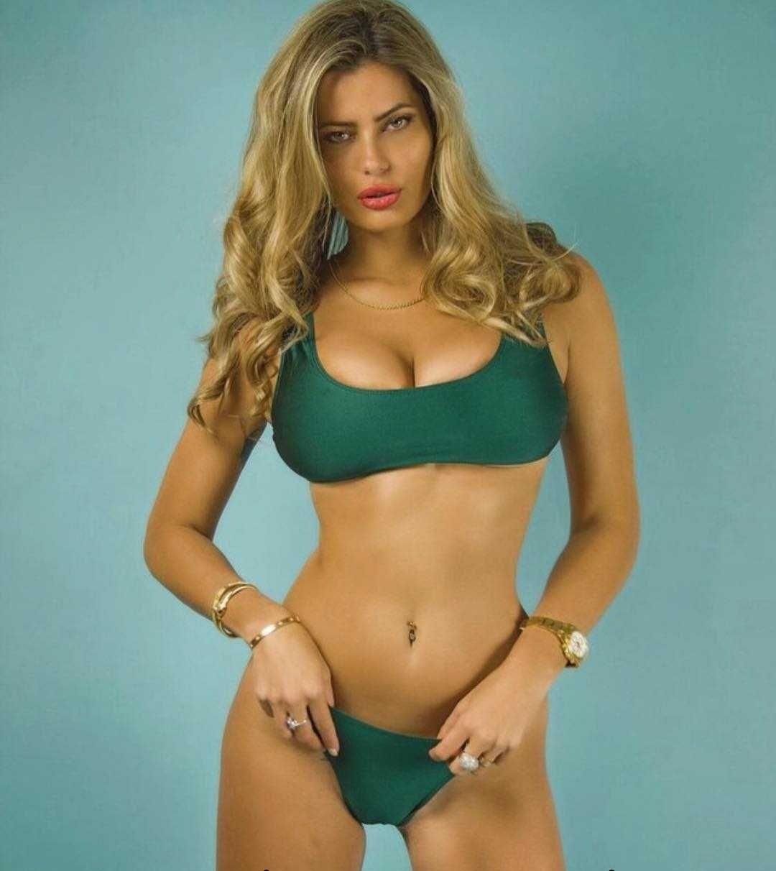 Natalia Bush bikini pics