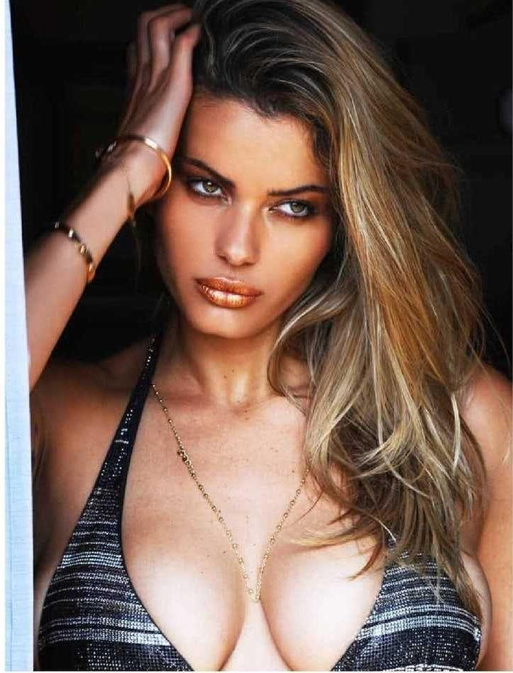 Natalia Bush sexy tits pics