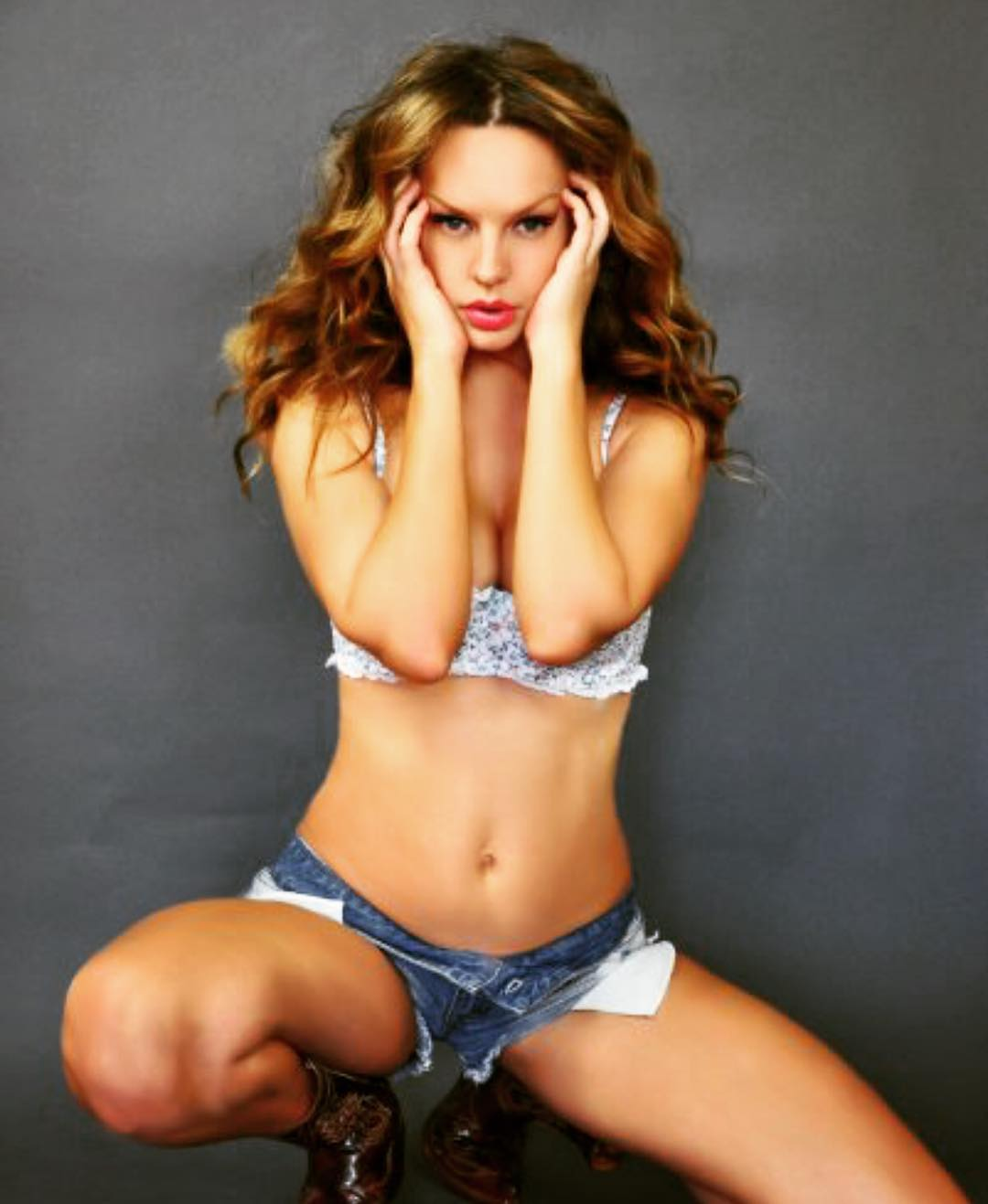 Natasha Alam sexy bikini pics