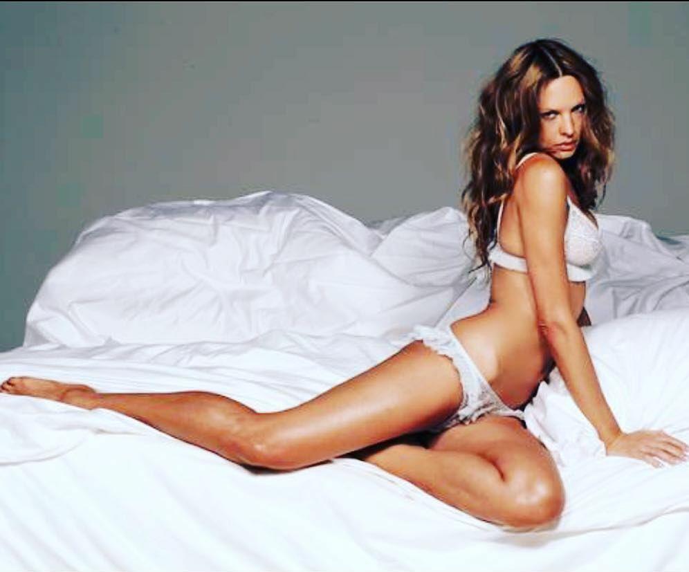 Natasha Alam sexy butt pics