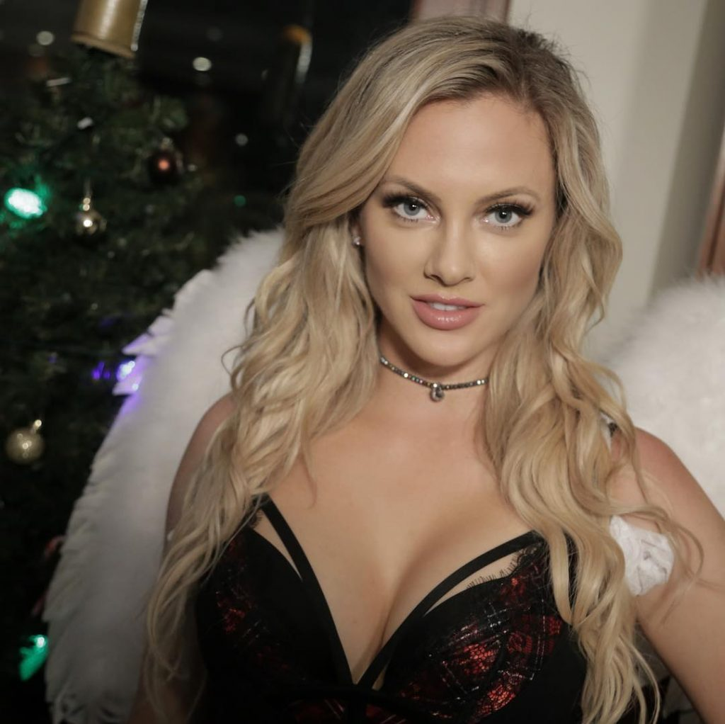 Nicole Arbour tits