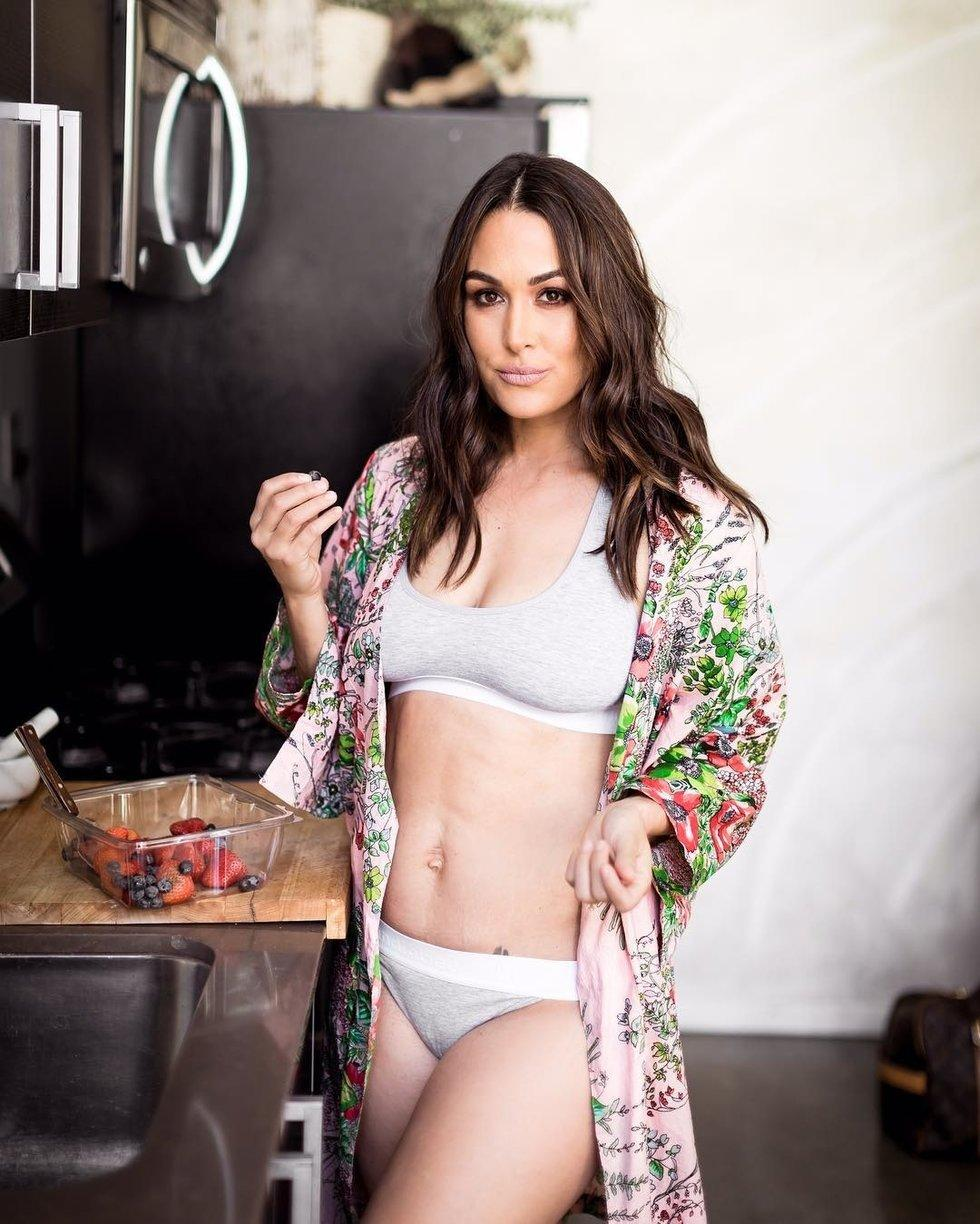 Nikki Bella hot look