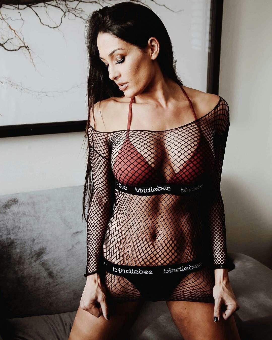 Nikki Bella sexy look pic