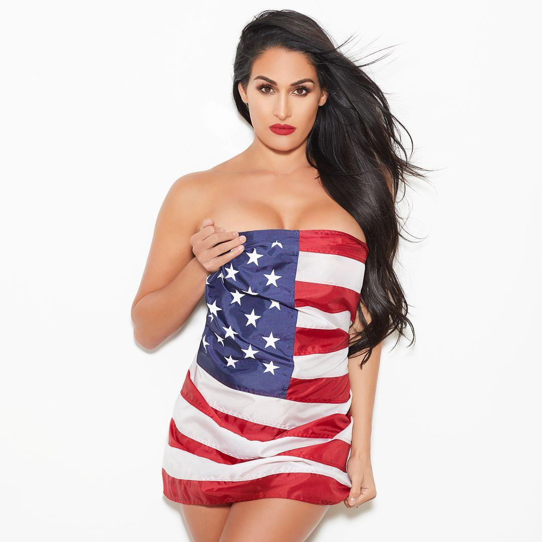 Nikki Bella sexy pics