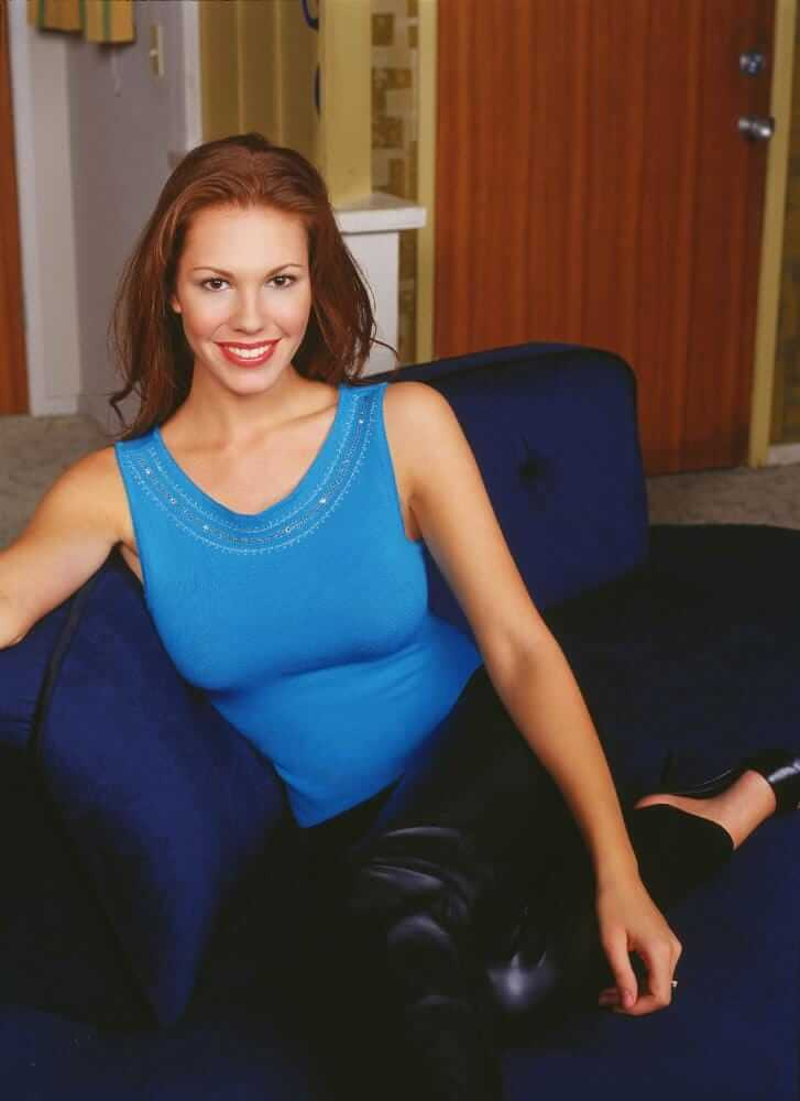 61 Sexiest Nikki Cox Boobs Pictures Will Tempt You To Bury