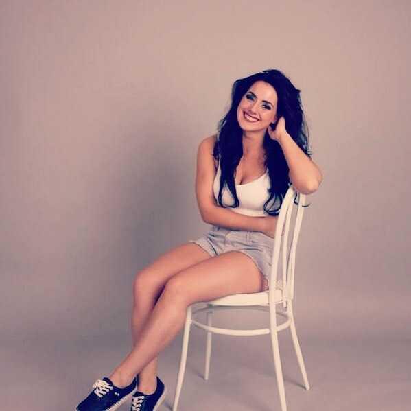 Nikki Cross hot (2)