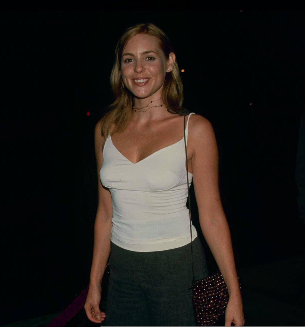 Olivia d'Abo sexy look pics