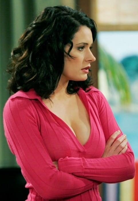 Paget Brewster cleavage pic