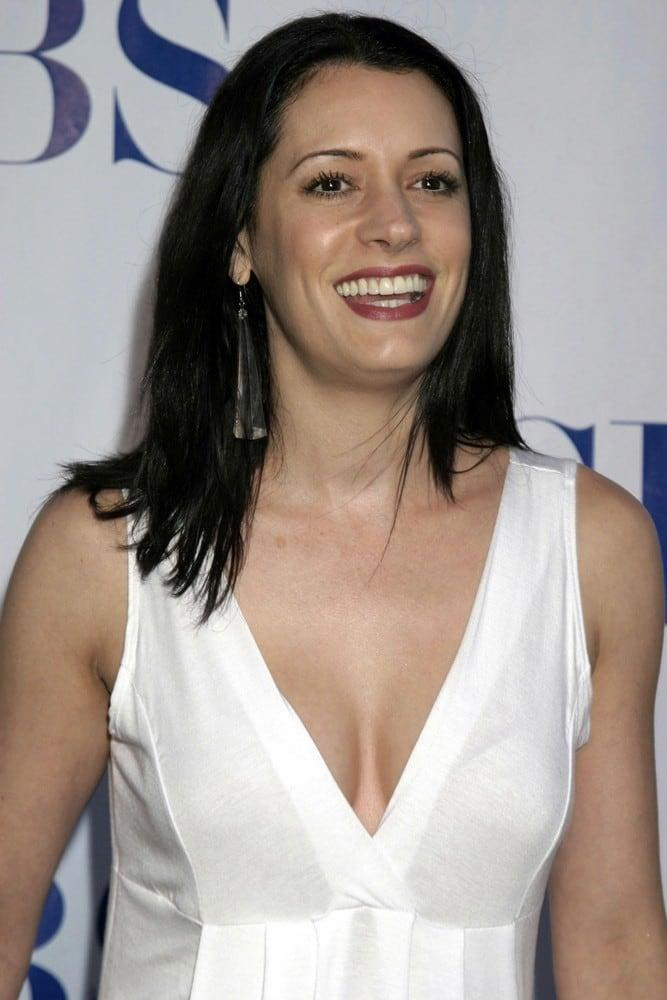 Paget Brewster cleavage pics (2)