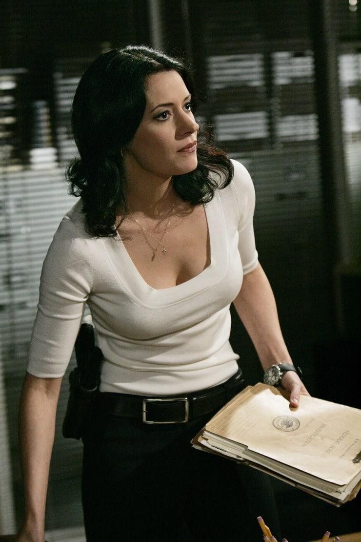 Paget Brewster cleavage pics