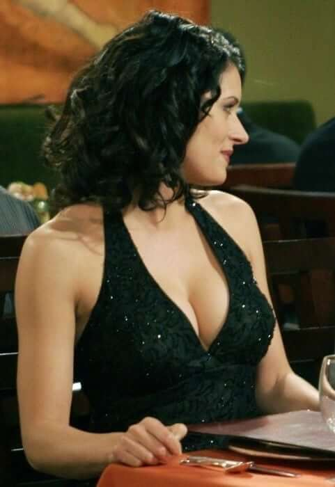 Paget Brewster hot pic