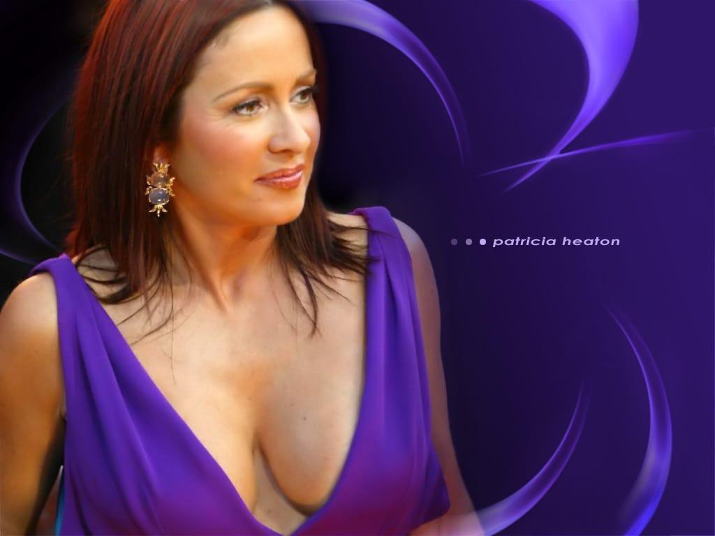 Patricia Heaton hot cleavage pic