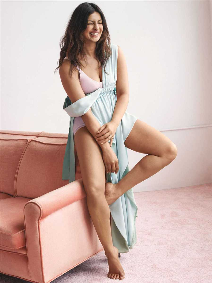 Priyanka Chopra sexy pics