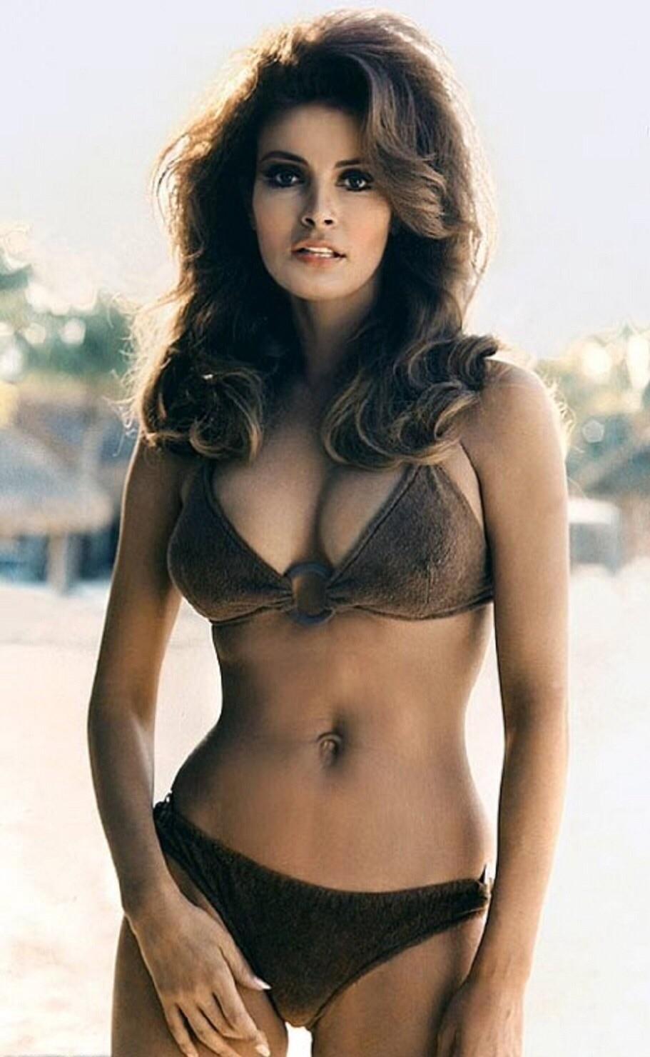 Raquel Welch hot pics