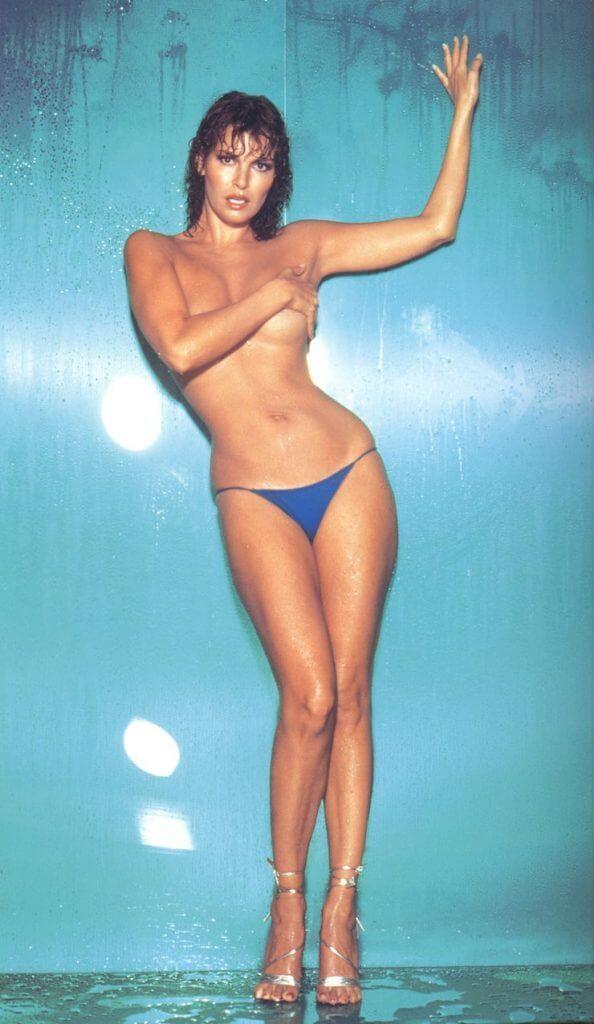 Raquel Welch topless pics
