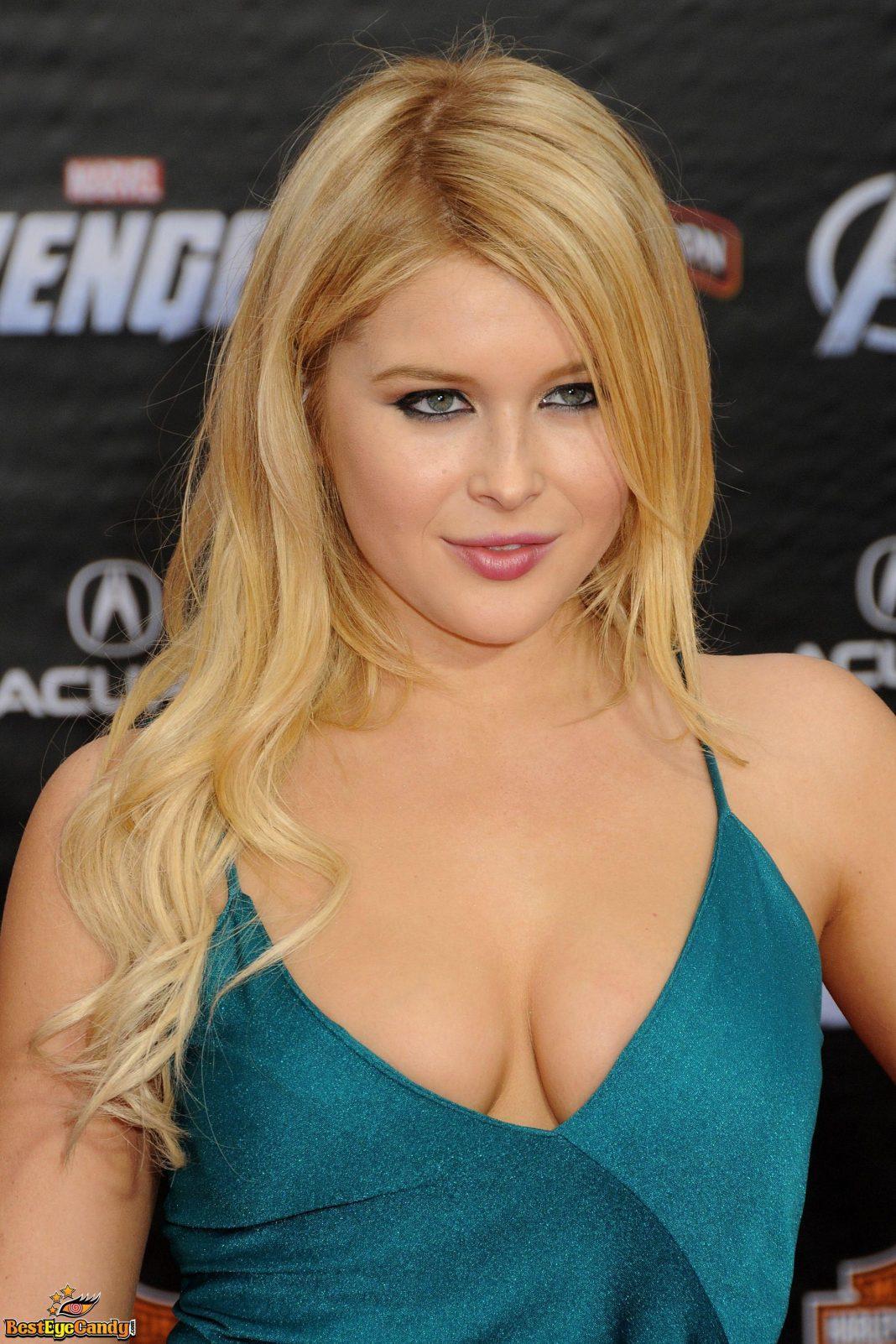 Renee Olstead amazing boobs pics