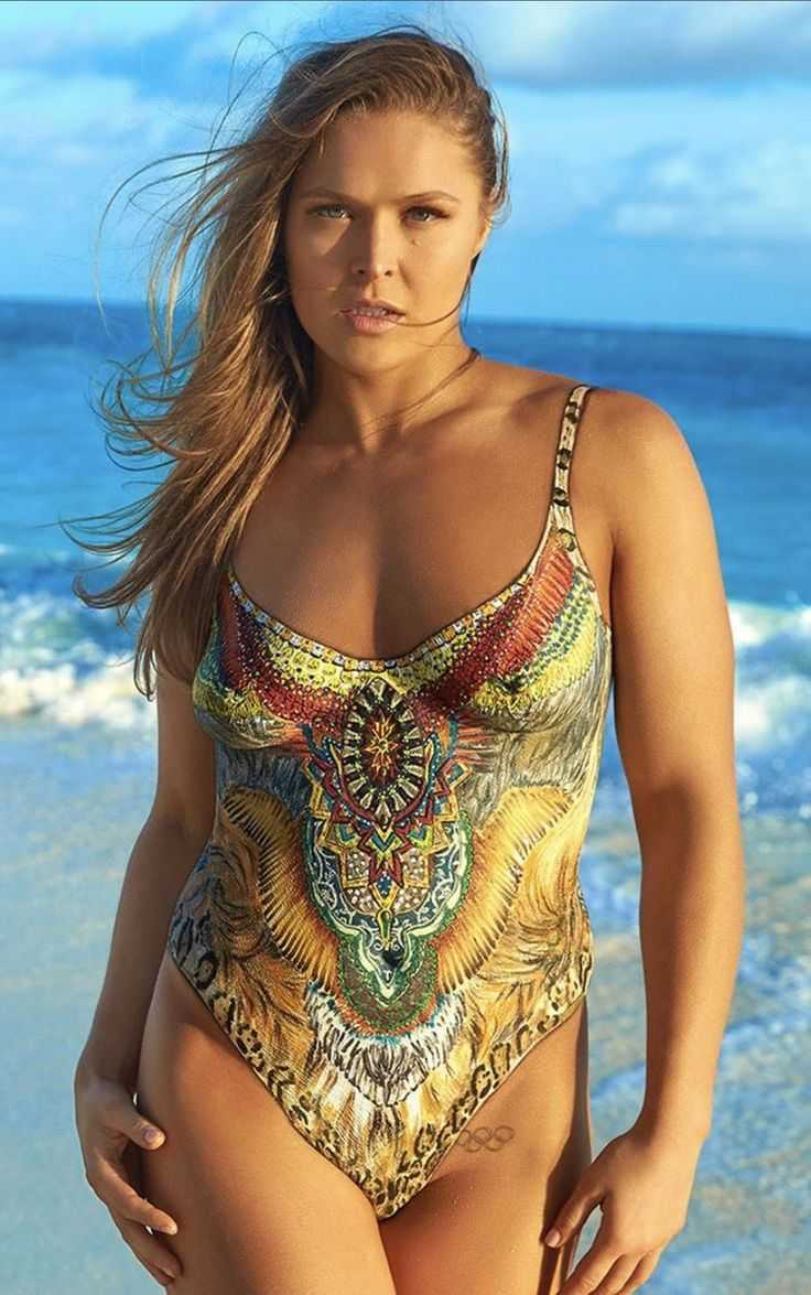 Ronda Rousey hot look pic