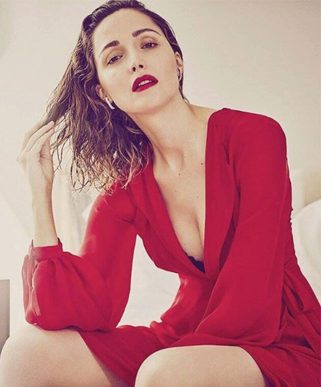 Rose Byrne amazing boobs pics