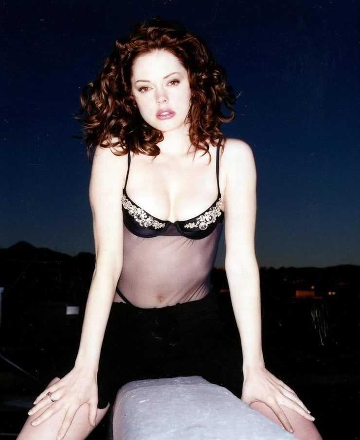 Rose McGowan busty pics