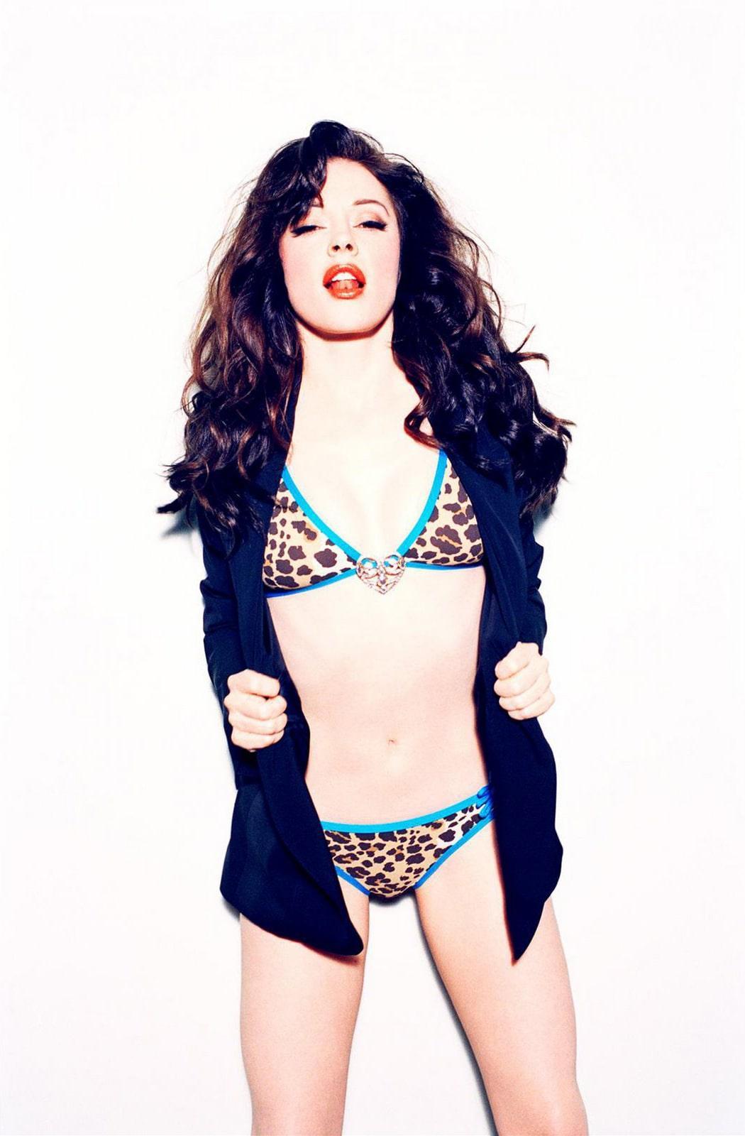 Rose McGowan sexy bikini pics