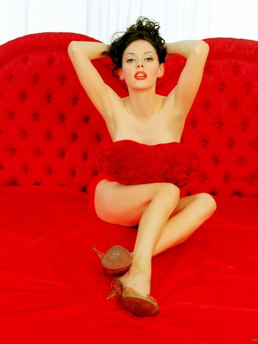 Rose McGowan sexy red dress pics
