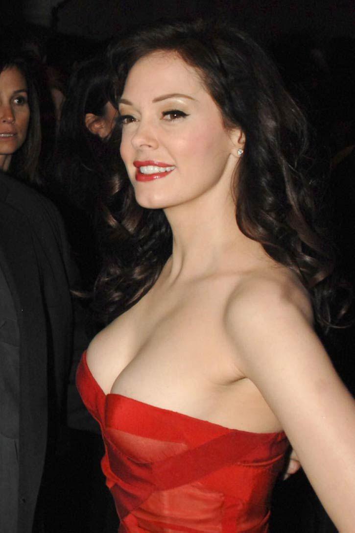 Rose McGowan sexy side boobs pics
