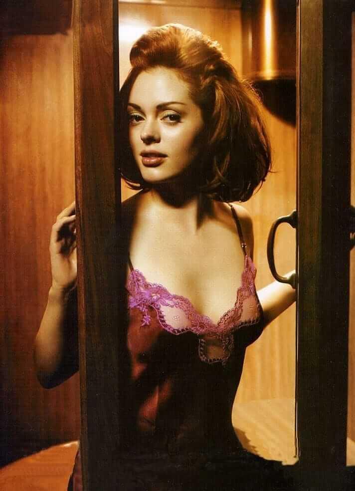 Rose McGowan sexy tits pics