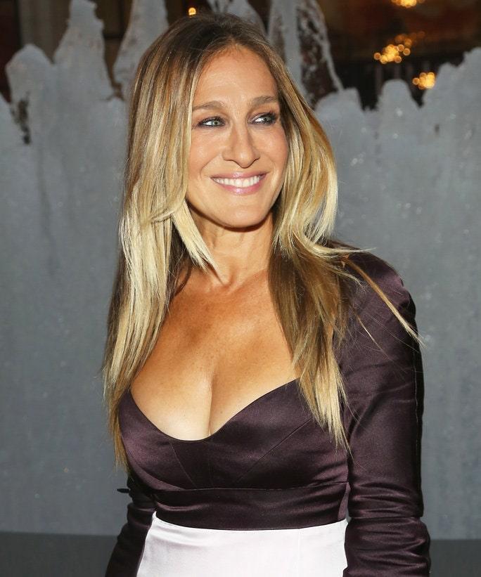 Sarah Jessica Parker hot cleavage
