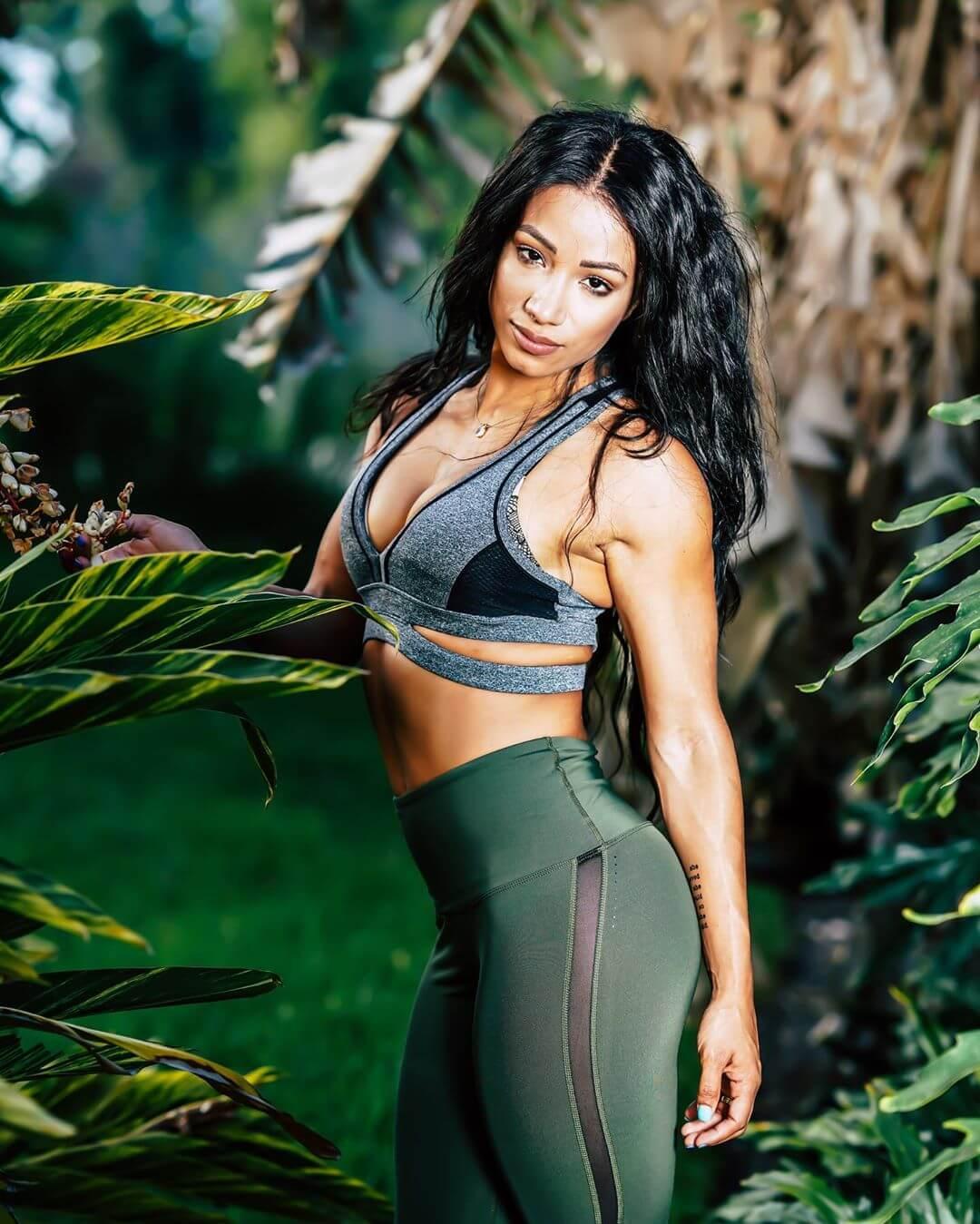 Sasha Banks hot look pics