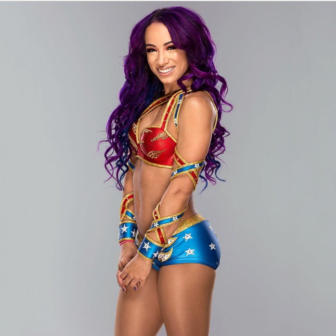 Sasha Banks sexy side boobs pics