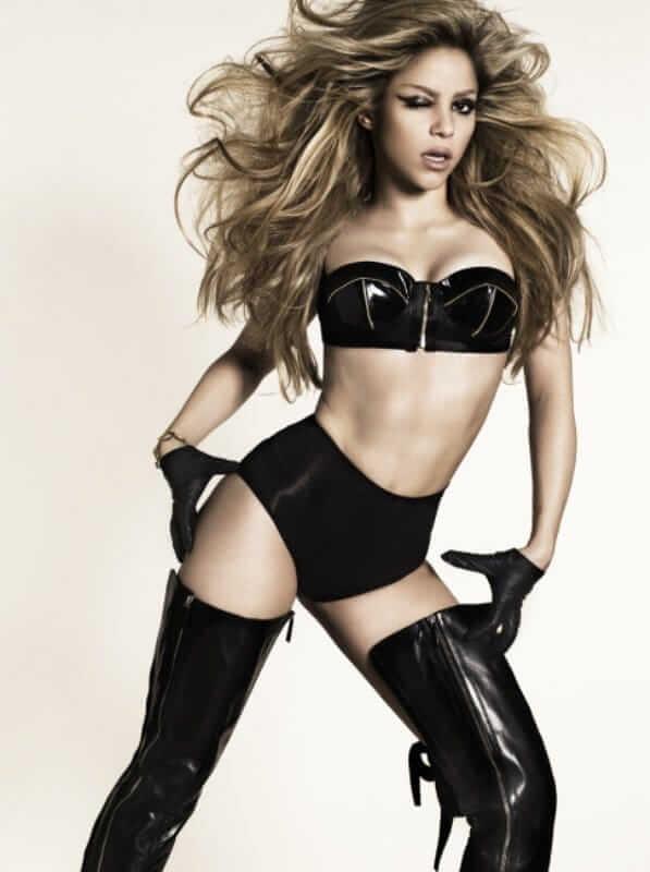Shakira sexy tits pics