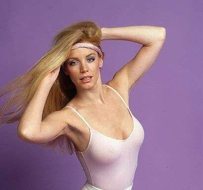 Shannon Tweed sexy side boobs pics