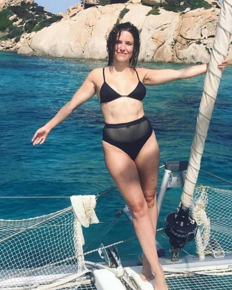 Sophia Bush bikini pics