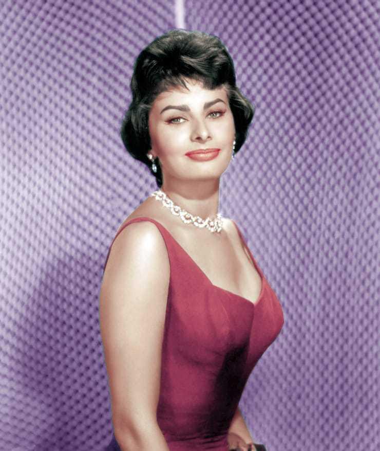 Sophia Loren busty pictures