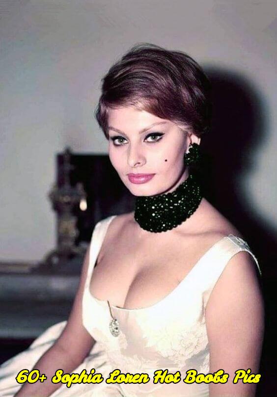 Sophia Loren hot boobs pics