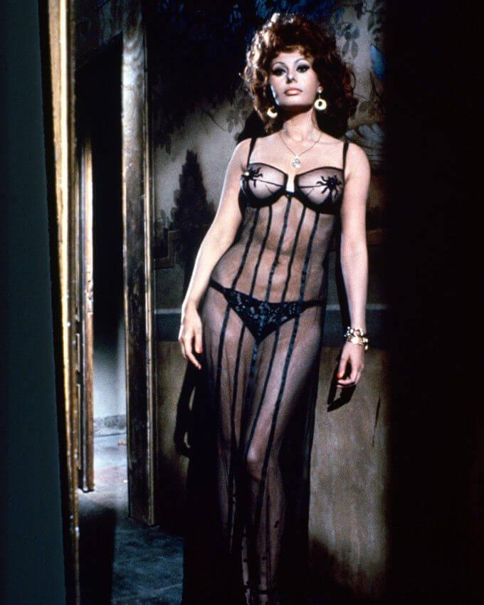 Sophia Loren hot lingerie pics