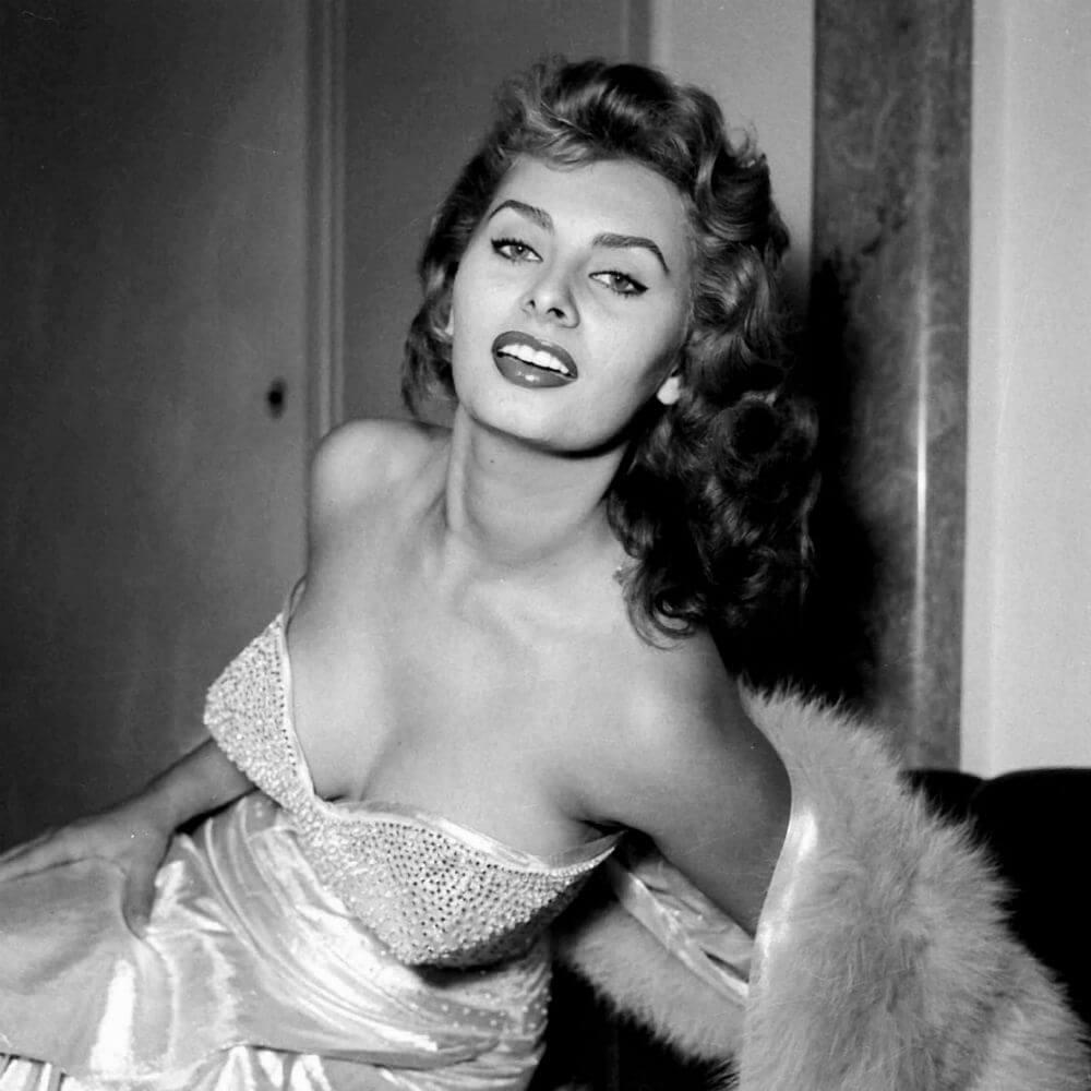 Sophia Loren hot pics