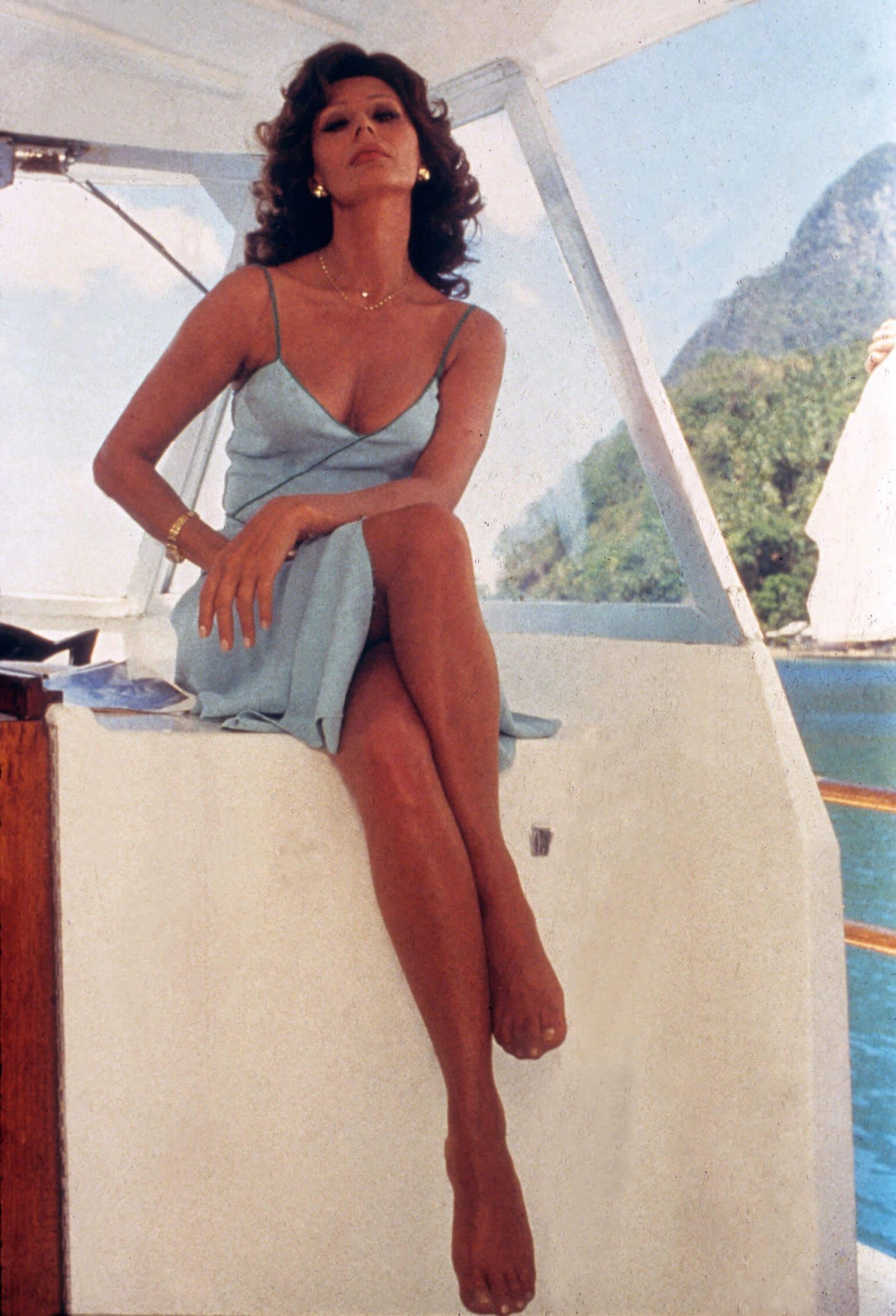 Sophia Loren hot pictures