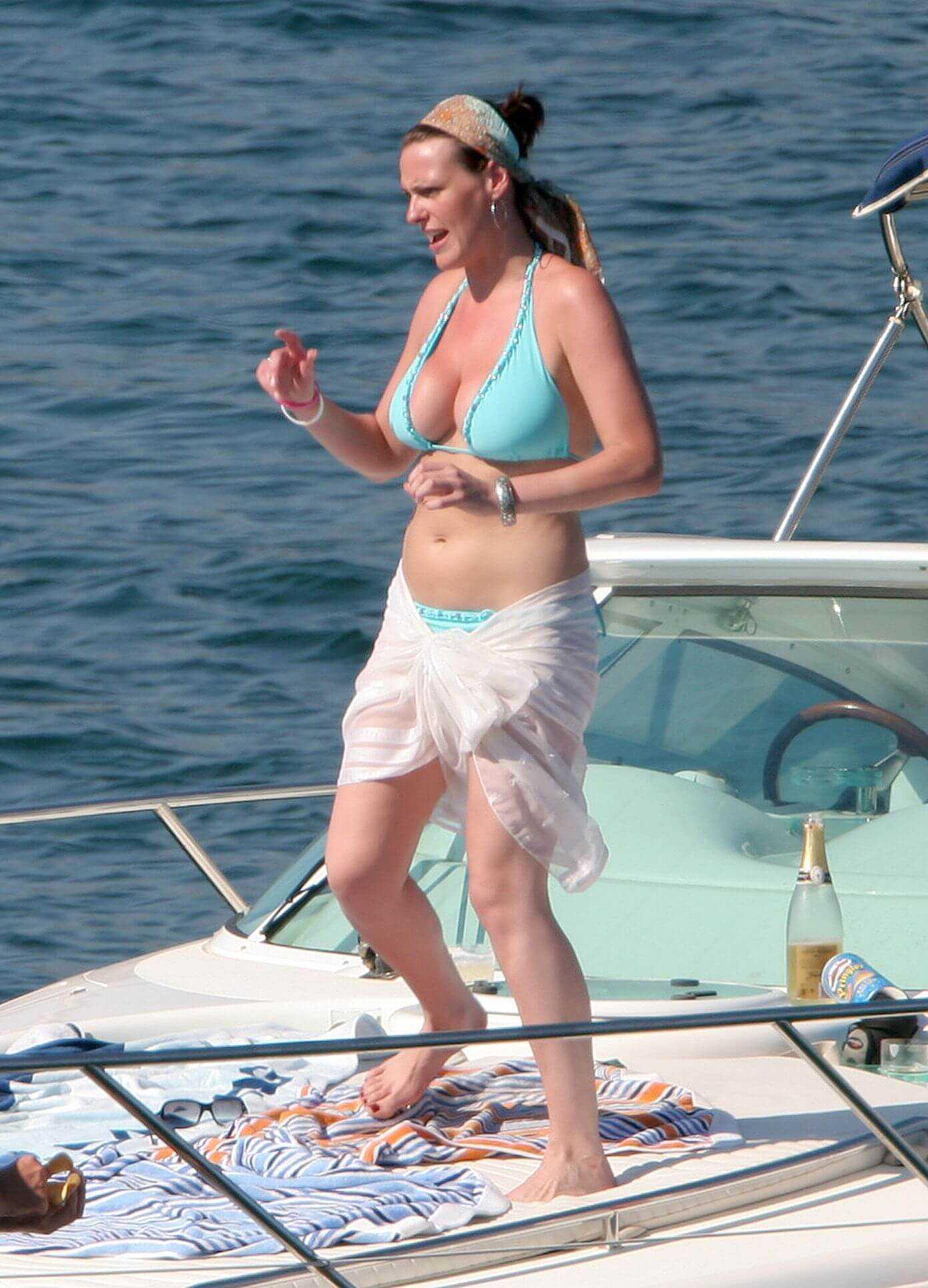 Suranne Jones bikini pictures