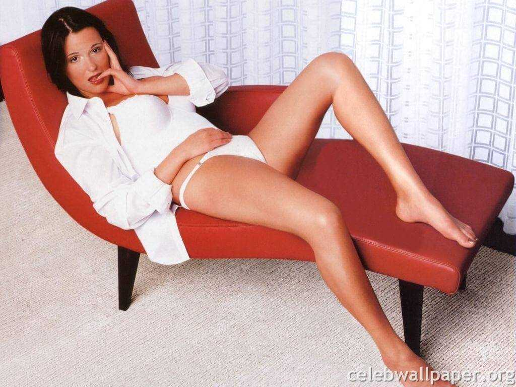 Suranne Jones hot legs pic