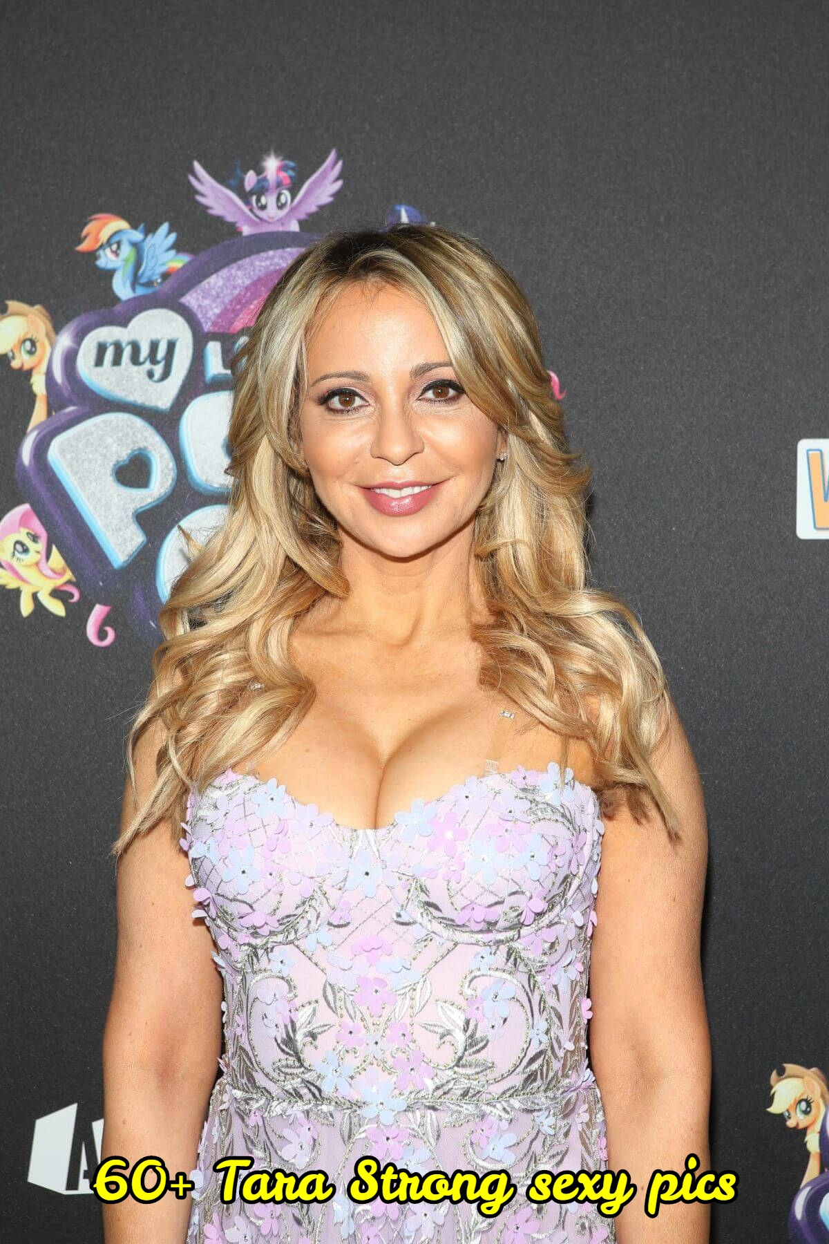 Tara Strong sexy pictures