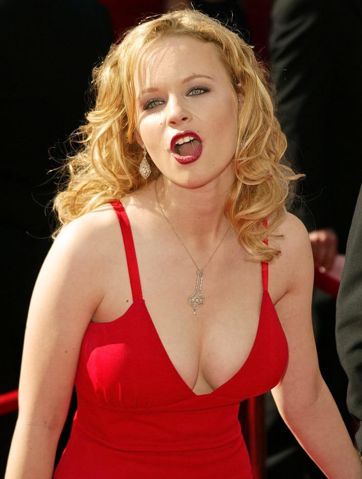 Thora Birch boobs pics