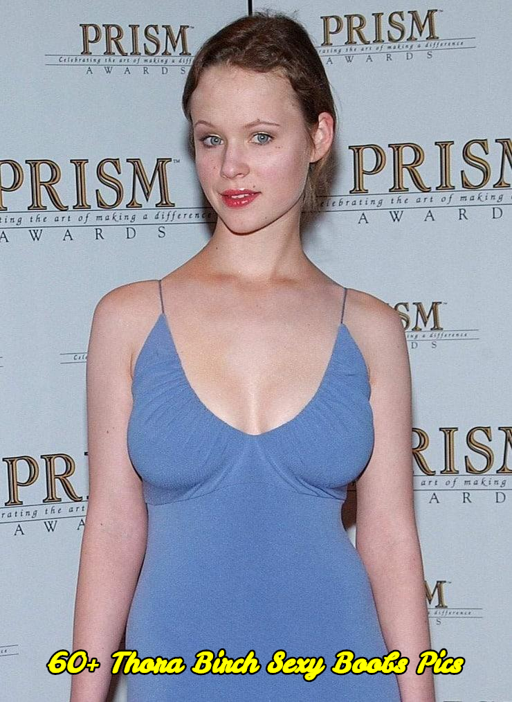 Thora Birch sexy boobs pics