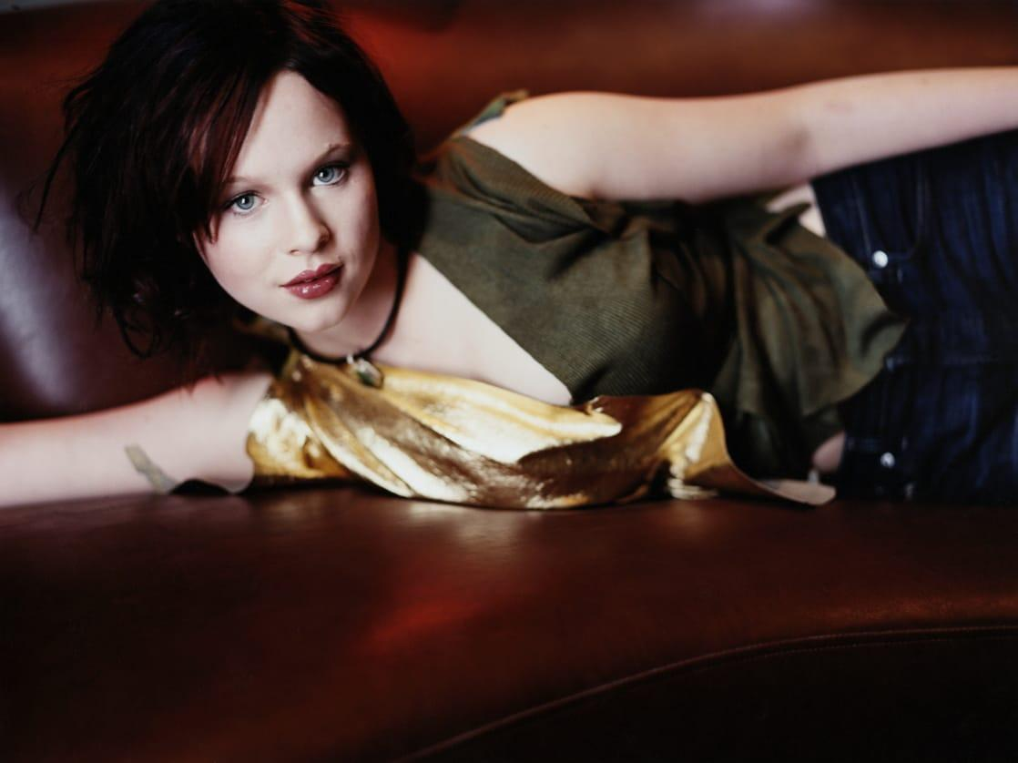 Thora Birch sexy look pics