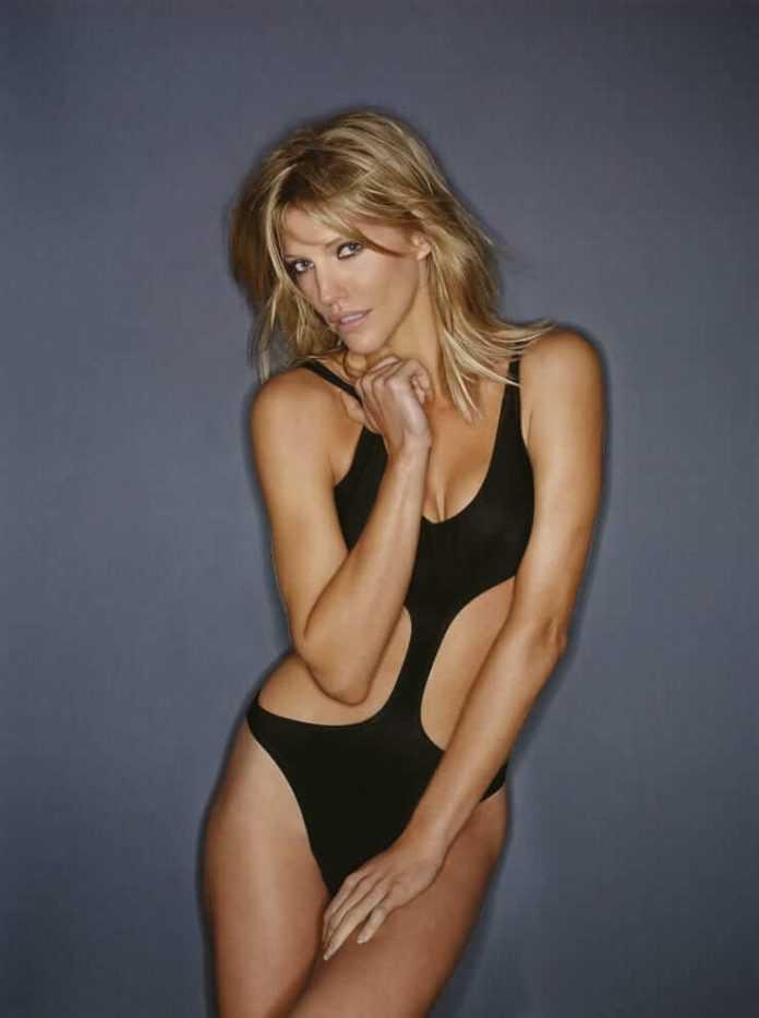 Tricia Helfer sexy lingerie pics