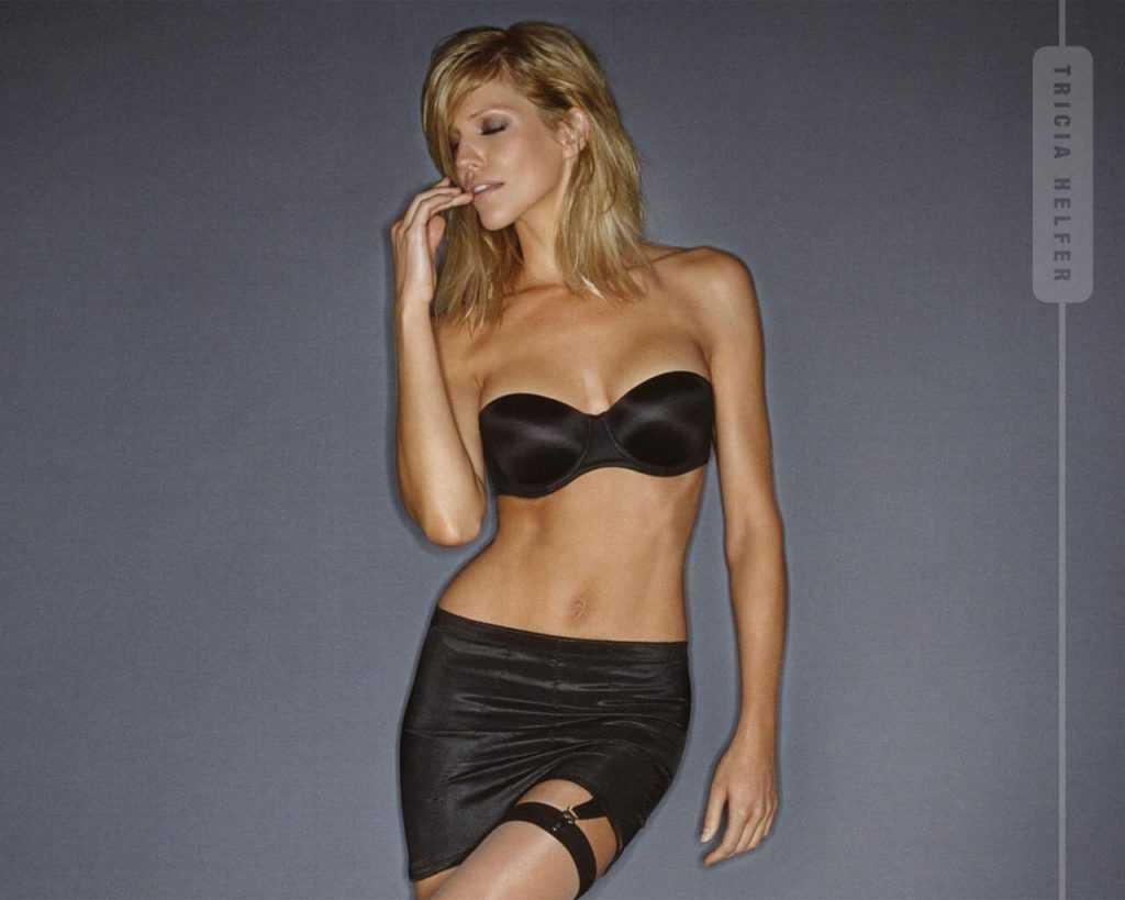 Tricia Helfer sexy tits pics