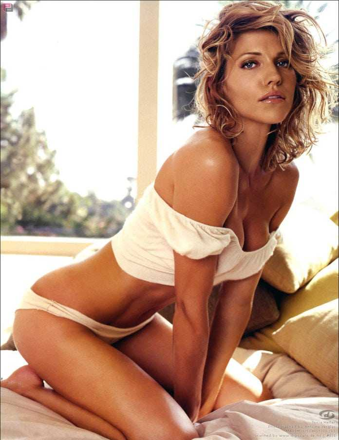 Tricia Helfer sexy tits pictures