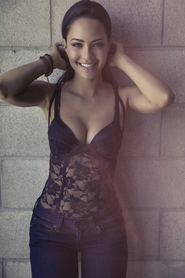 Tristin Mays hot cleavage pic