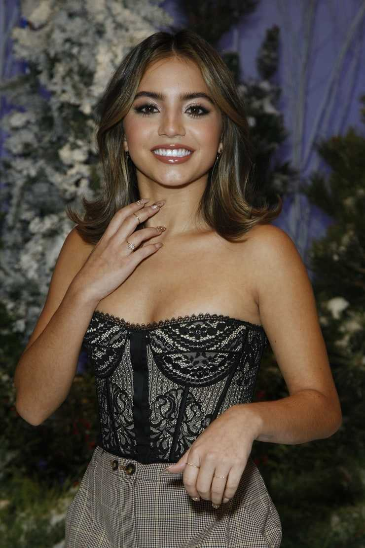 61 Sexiest Isabela Moner Boobs Pictures Show Off A